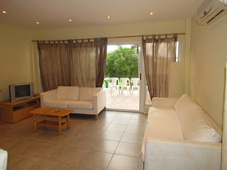 One bedroom villa for the unfussed traveller(s) - Jolly Harbour vacation rentals