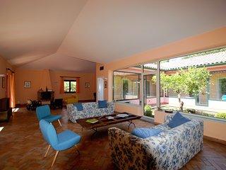 Cozy 3 bedroom Villa in Valverde with Internet Access - Valverde vacation rentals