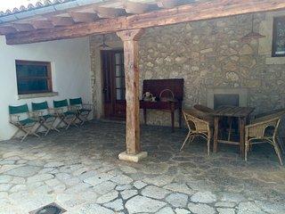 Hermosa casa de pueblo en Biniamar - Selva vacation rentals