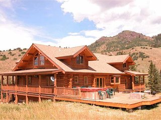 Wonderful House with Deck and Satellite Or Cable TV - Oak Creek vacation rentals