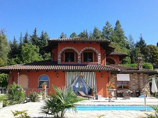 Nice Villa with Housekeeping Included and Balcony - Mango vacation rentals