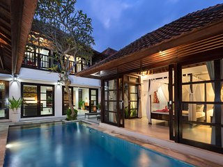 Pratiwi, 4 Bedroom Villa Close to Echo Beach, Canggu - Canggu vacation rentals