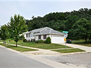 Rose House - 4 bedroom 2 bath; 4 miles from Mayo Clinic - Rochester vacation rentals