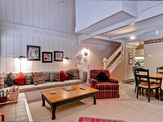 Comfortable 2 bedroom Condo in Sun Valley with Deck - Sun Valley vacation rentals