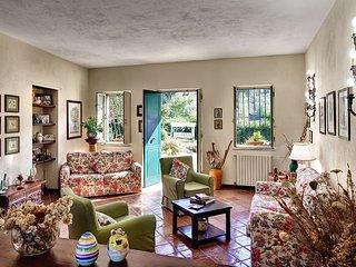 Charming 3 bedroom Schiazzano Condo with Internet Access - Schiazzano vacation rentals