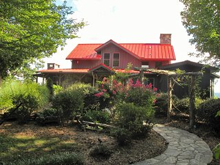 Magical Mountaintop Retreat - Marshall vacation rentals