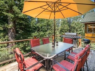 Spacious & Luxurious South Lake Tahoe Home – 5 Fireplaces, 2 decks + Hot - South Lake Tahoe vacation rentals