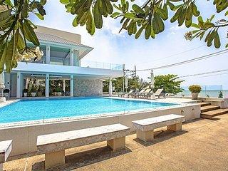 3 bed pool villa in beachside resort - Bang Lamung vacation rentals