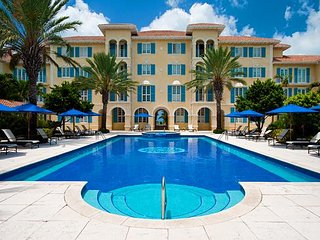 A luxury beach front property on Grace Bay Beach! One Bedroom sleeps 4! - Grace Bay vacation rentals