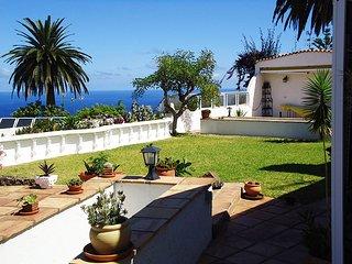 Vista-al-mar Ferienhaus 'Casa del Sol Teneriffa' - La Victoria de Acentejo vacation rentals