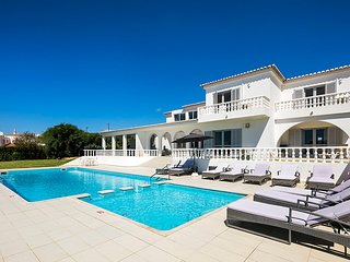 Vivenda Lucas - Wheelchair friendly 6 bedroom property close to Albufeira, golf and beaches. - Guia vacation rentals