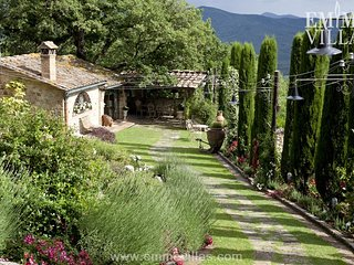 Comfortable Villa with Internet Access and DVD Player - Ciciano vacation rentals