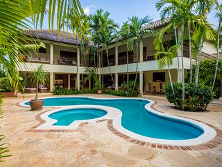 GORGEOUS HUGE VILLA in Casa de Campo VIP - La Romana vacation rentals