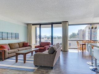 Dog-friendly condo with ocean views & shared pool, sauna access! - Seaside vacation rentals