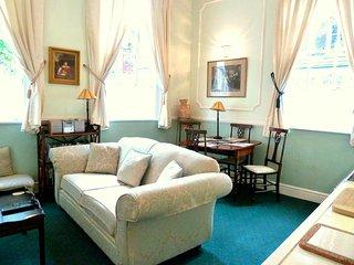 Romantic 1 bedroom Condo in Bath with Internet Access - Bath vacation rentals