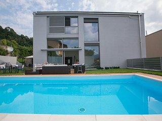 Bright Villa with Internet Access and A/C - Montagnola vacation rentals