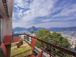 Beautiful 2 bedroom Vezia Apartment with Internet Access - Vezia vacation rentals