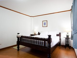 Nice 8 bedroom Guest house in Chiang Mai - Chiang Mai vacation rentals