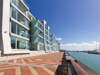 2 Bedroom Auckland Viaduct Harbour Serviced Apartment - Auckland vacation rentals