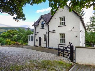 THE MILL HOUSE spacious accommodation, pet-friendly, quiet location in Corwen Ref 940564 - Corwen vacation rentals