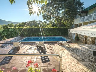 Inviting Private Pool Stone Villa- 20 min to Split - Split vacation rentals