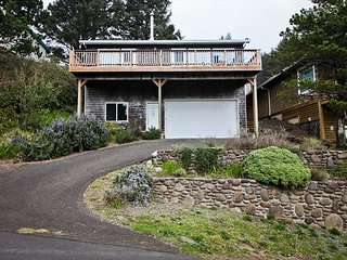 BELLA SOL ~  Great views of  Beaver Pond, the ocean and stunning sunsets! - Nehalem vacation rentals