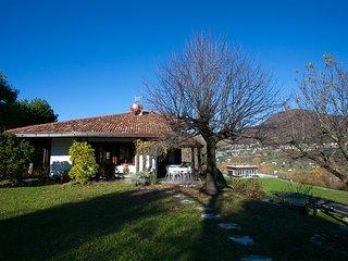 Charming 2 bedroom Villa in Cerano D'intelvi - Cerano D'intelvi vacation rentals