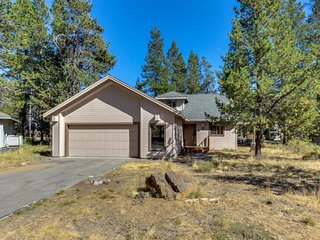 Dog-friendly home w/ a hot tub & foosball table, near the Woodlands Golf Course! - Sunriver vacation rentals