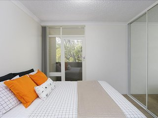 Comfortable 1 bedroom South Perth Condo with Internet Access - South Perth vacation rentals