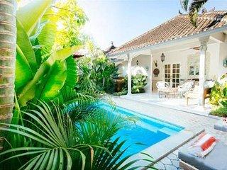 2 BDRM HIDEAWAYS SEMINYAK VILLA - Seminyak vacation rentals