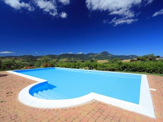 Comfortable 4 bedroom Villa in Cingoli - Cingoli vacation rentals
