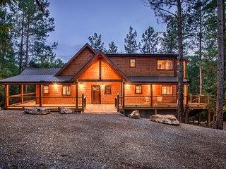 Crystal Ridge Spa Cabin - Sleeps 6, Pool Table - Broken Bow vacation rentals