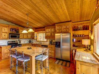 Inyo Treehouse Big Bear Lake - Sugarloaf vacation rentals