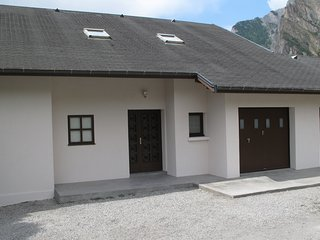Maison de la Tour-Appartement 8/12p Collet Blanc - Saint Michel de Maurienne vacation rentals