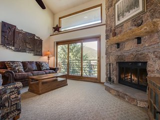 Snowdance Manor 407 - 2 plus loft, newly remodeled, beautiful decor! - Keystone vacation rentals