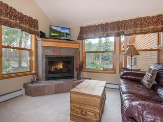 Snake River Village 26 - Walk to slopes, ground floor, washer/dryer, private garage! - Keystone vacation rentals