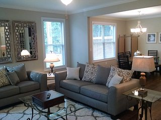 Bright 3 bedroom Peachtree City Townhouse with Internet Access - Peachtree City vacation rentals