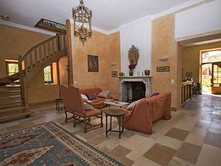 Gîte Dordogne, with pool & jacuzzi - Cenac-et-Saint-Julien vacation rentals