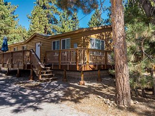 Nice 3 bedroom Big Bear City House with Deck - Big Bear City vacation rentals