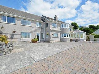 Spacious 5 bedroom Cottage in Pembroke Dock - Pembroke Dock vacation rentals