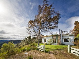 Seven Sisters Escarpment Views - Medlow Bath vacation rentals