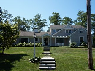 Perfect 4 bedroom Osterville House with Deck - Osterville vacation rentals