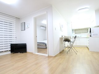★Grand New Open★(3Rooms/5mins)Central of Hongdae. - Seoul vacation rentals