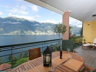 Comfortable 2 bedroom Apartment in Tronzano Lago Maggiore - Tronzano Lago Maggiore vacation rentals
