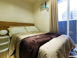 Modern & Stylish 1-Bedroom with Balcony - Makati vacation rentals