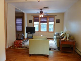 2 bedroom Apartment with Television in Weehawken - Weehawken vacation rentals