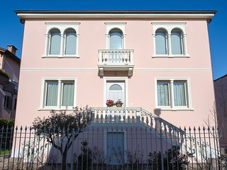 3 bedroom Bed and Breakfast with Internet Access in Padua - Padua vacation rentals