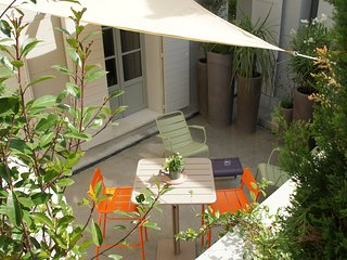 Wonderful T2 with Private Terrace Aix en Provence - Meyreuil vacation rentals