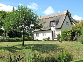 White Cottage Iken near Snape - thatched luxury - Snape vacation rentals