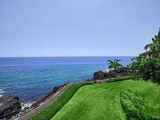 Top Floor Retreat at Surf & Racquet Club - Minutes Walk to Kahalu'u Beach! - Kailua-Kona vacation rentals